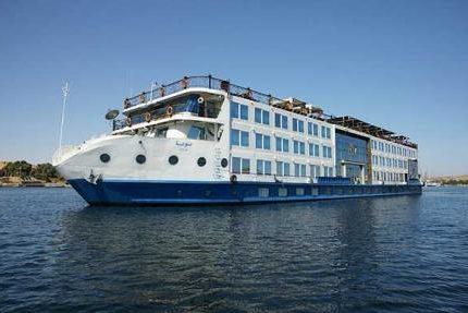 Nile Cruise Luxor - aswan